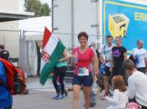 Magyar zászlóval befutni a célba!